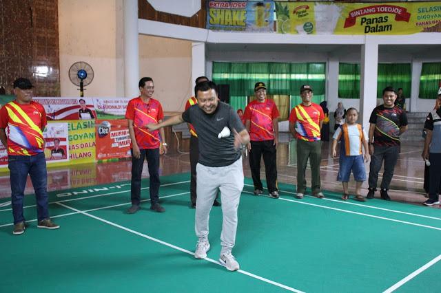 """H.M Basli Ali Buka Resmi, Pertandingan Bulu Tangkis """"Bupati Cup 2019"""" Selayar"""
