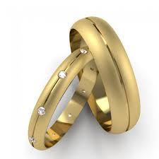 Wedding Bands for Women - Opulent Pieces of Affection with a Rich History