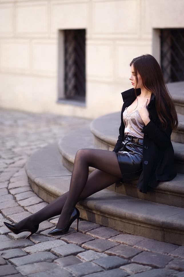 Ariadna Majewska  Black%2Bskirt%2Bnylons%2Bwolford%2Bneon%2B40%2Bden