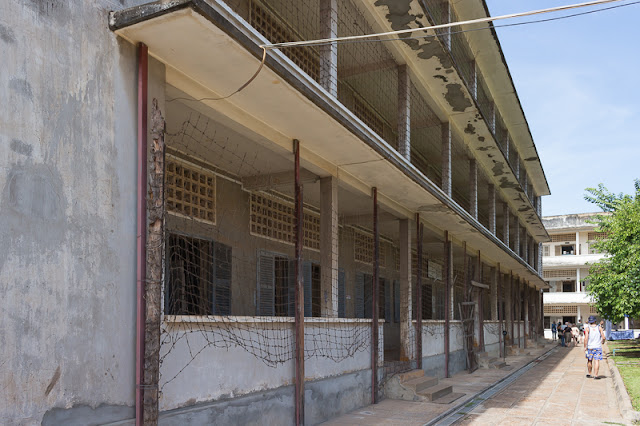 building picture of Tuol Sleng Genocide Museum S11 in Phnom Penh Cambodia