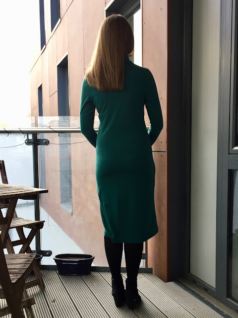 Diary of a Chain Stitcher: Green Merino Knit Seamwork Neenah Dress with fabric from The Fabric Store New Zealand