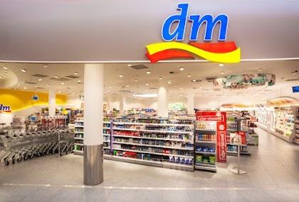 فرص توظيف واماكن شاغره في dm_Markt برواتب جيده والتسجيل عن طريق ارسال طلب على الايميل من هنا: