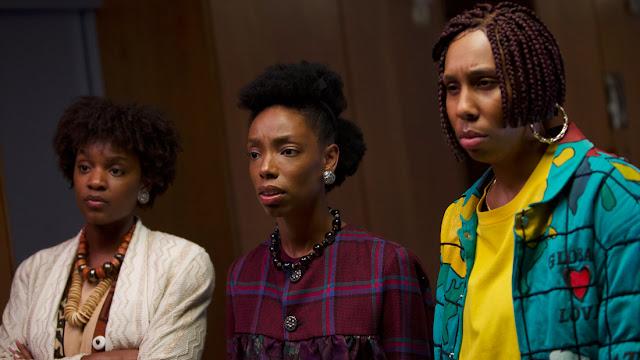 Sinopsis Film Bad Hair (2020) - Corinne Massiah, Elle Lorraine