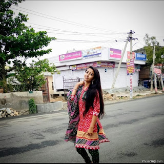 Photo Pose For Girl In Suit
