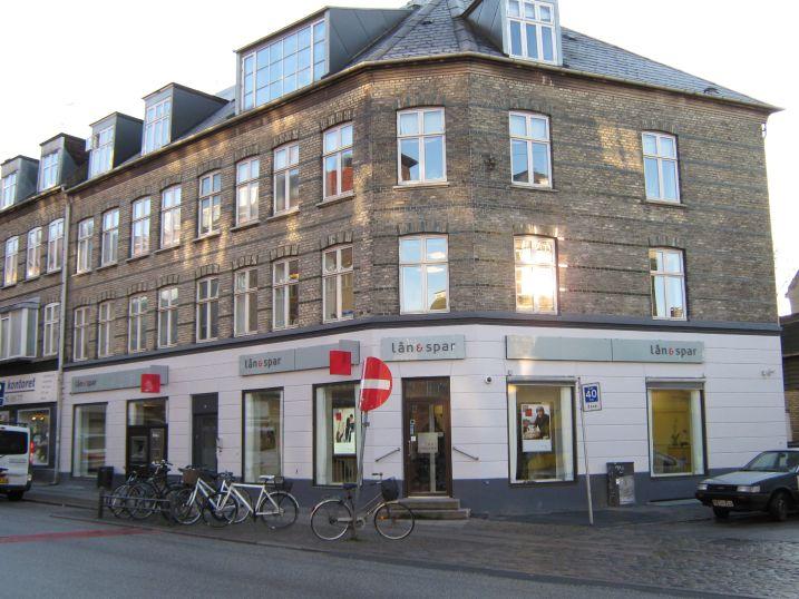 Lån og Spar Bank åbner Valby Langgade i Amagerbankens gamle lokaler 30. januar 2012 | Valby og ...