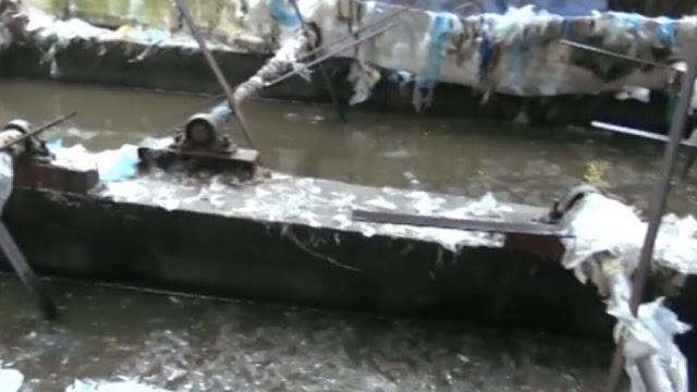 Chết dưới tay đồng bào - Tiếp tay cho hàng độc hại Trung Quốc từ biên giới tuồn vào Việt Nam