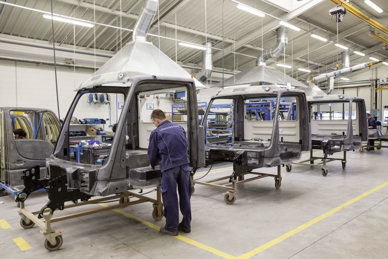 co2motori un 39 idea di ferdinando sarno mercedes benz custom tailored trucks ctt e la. Black Bedroom Furniture Sets. Home Design Ideas