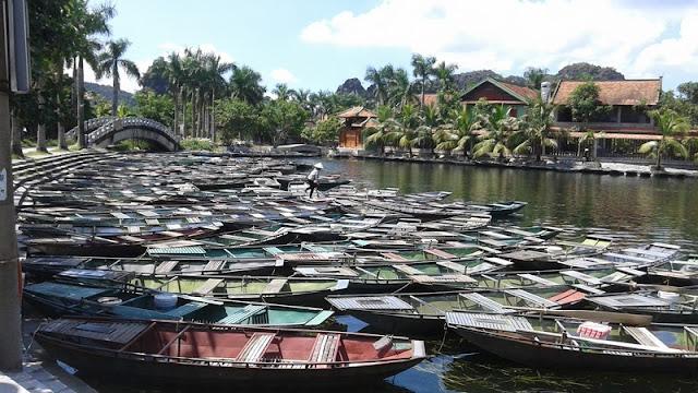 embarcadero Van Lam, botes de remos en el rio Ngo Dong