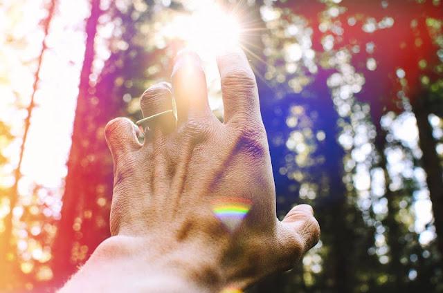 Giao tiếp tâm linh: 7 cách thức mà con người thật của bạn đang cố gắng hướng dẫn bạn