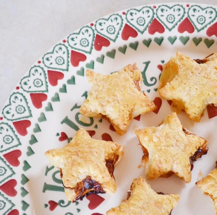 DIY Christmas | Brie & Cranberry Savoury Pastry Stars