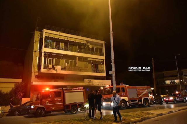 Πυρκαγιά σε κατάστημα στο Ναύπλιο (βίντεο)