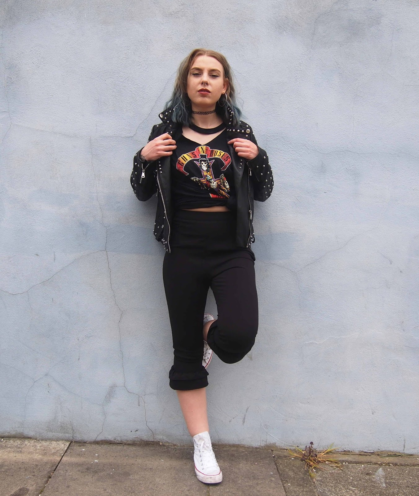 spring outfit, spring outfit ideas, fashion trend 2017, 2017 ss fashion trend, gunge outfit ideas, grunge outfits, embroidered leather jacket, band tee outfits, rock chick, rock chick outfit, rock chick style