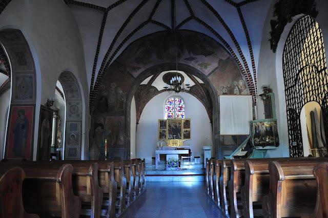 Kościół św. Jana Jerozolimskiego za murami w Poznaniu - nawa i prezbiterium