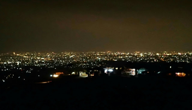 Keindahan Bukit Moko Ketika Malam Hari