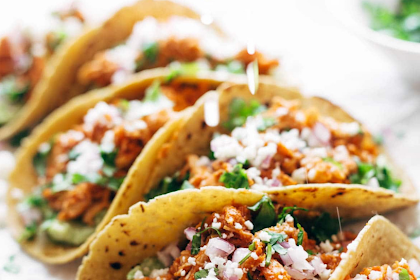 The Best Chicken Tinga Tacos