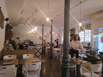 Sala principal en restaurante Bacira_Tusolovive Madrid