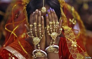 திருமணமான 24 மணி நேரத்தில் புதுமாப்பிள்ளை விவாகரத்து கேட்டதால் அதிர்ந்து போன மனைவி