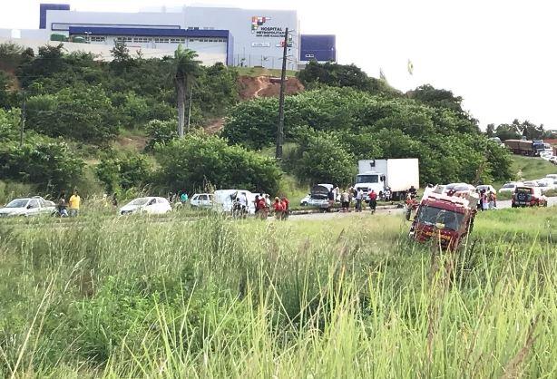 Acidente na BR-230 deixa uma pessoa ferida, na Paraíba