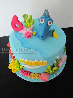 Um bolo de aniversário À Procura de Dory