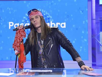 Christian Galvez se disfraza de Axel Rose