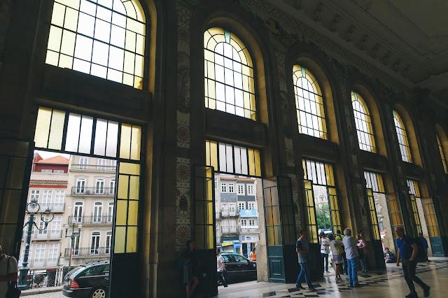サン・ベント駅(Estação de São Bento)|出入口