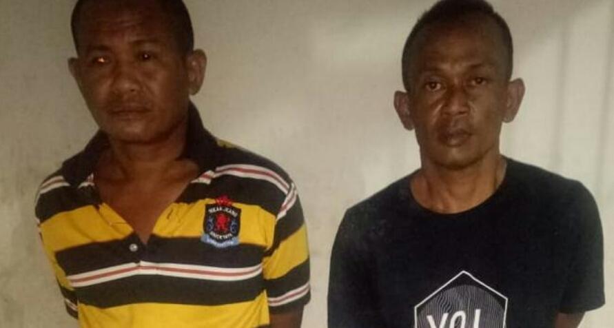 Kedua tersangka pencuri sepedamotor di Batubara.