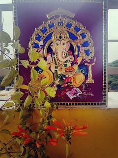 Rajini Rekha, Tanjore : gold foil used