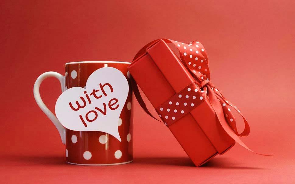 Kado untuk Pasangan yang Paling Romantis