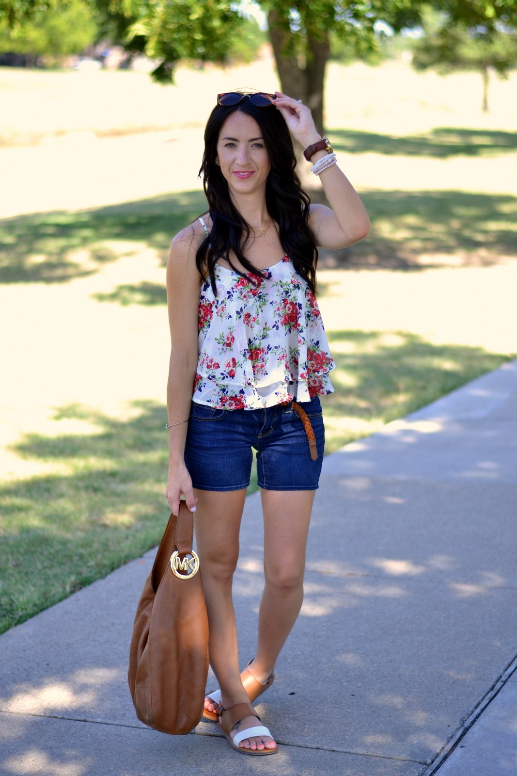 Summer Floral Cami, pink lips and denim