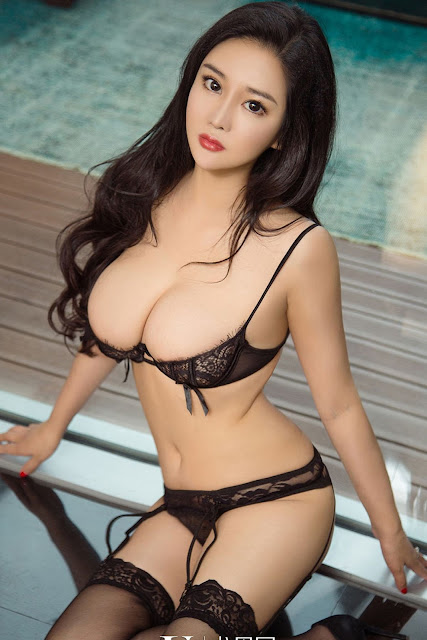 Hot and sexy big boobs photos of beautiful busty asian hottie chick Chinese booty model Shi Ying photo highlights on Pinays Finest sexy nude photo collection site.