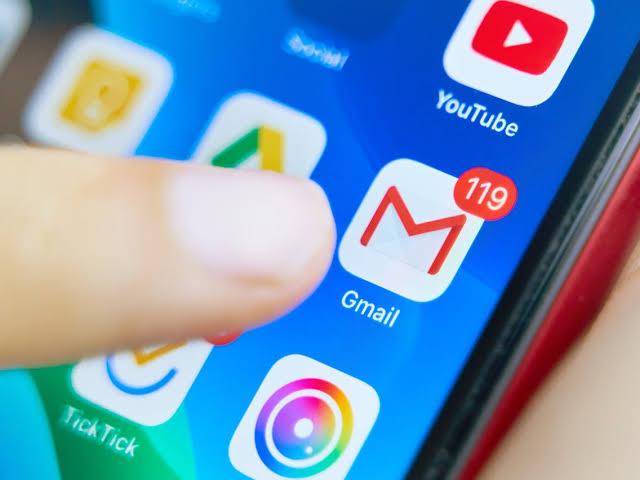 मोबाइल से ईमेल कैसे भेजे, gmail kaise bheje, gmail kya hai