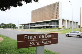 Para atender distritais, Buriti examina redivisão política do Distrito Federal