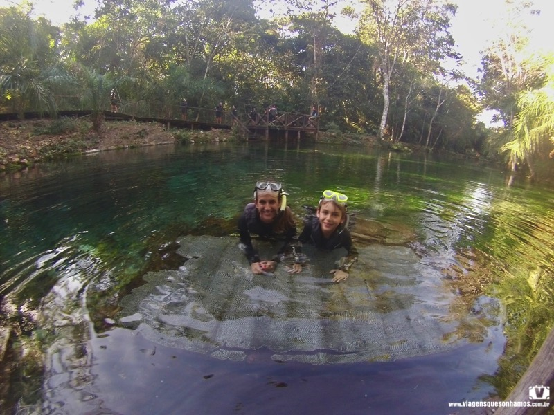 Flutuação em Bonito com crianças