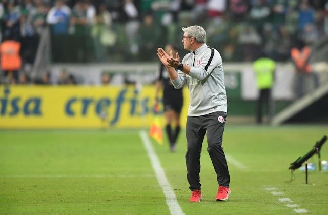 Odair prefere jogar sem armador (Foto: Ricardo Duarte / Inter)