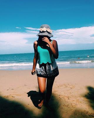 pose tumblr en la playa con la cara tapada
