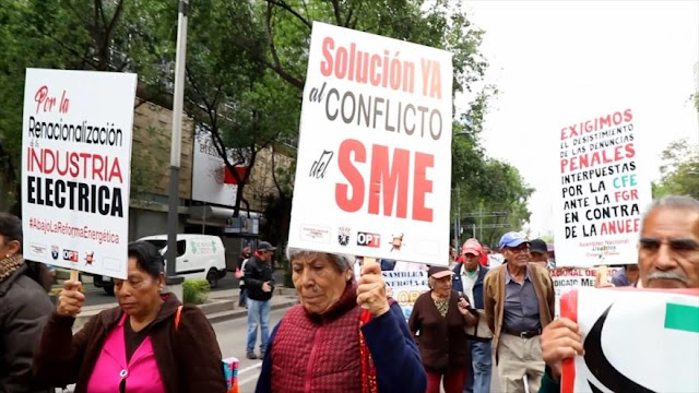 Méxicanos exigen tarifas justas por el servicio de electricidad