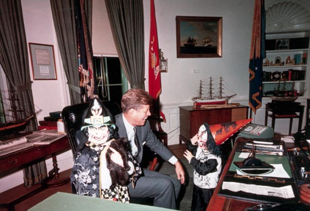 JFK-caroline-halloween-white-house