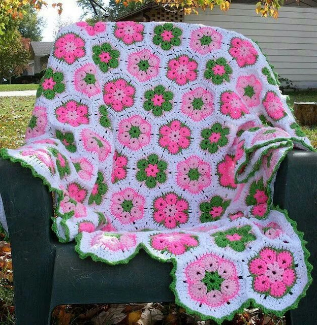 Como fazer flores para aplicação em colcha de crochê- quadrados ou square flor africana