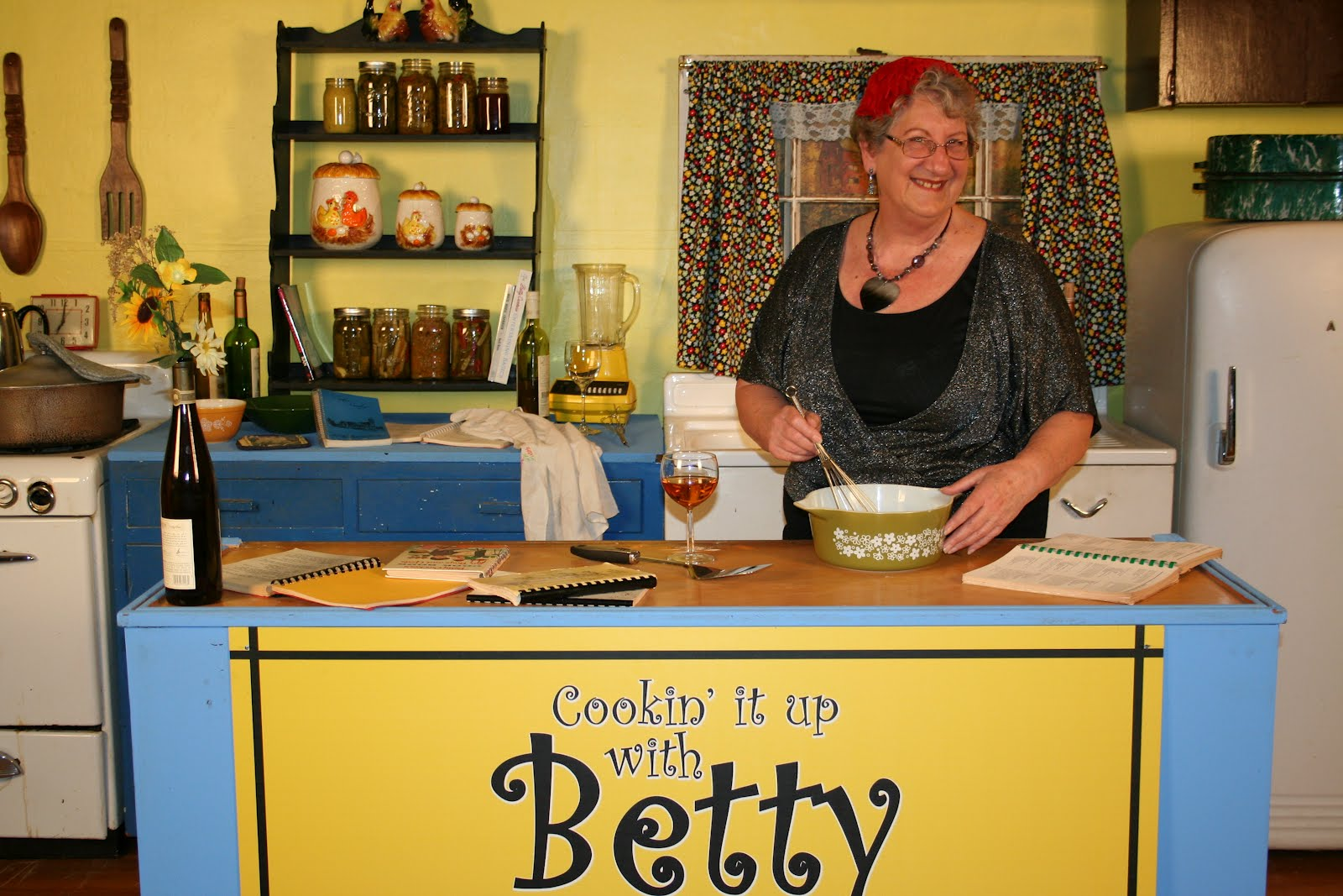 """Cookin it up with Betty"" Moves to the Second Floor of KLUK TV Studios!"