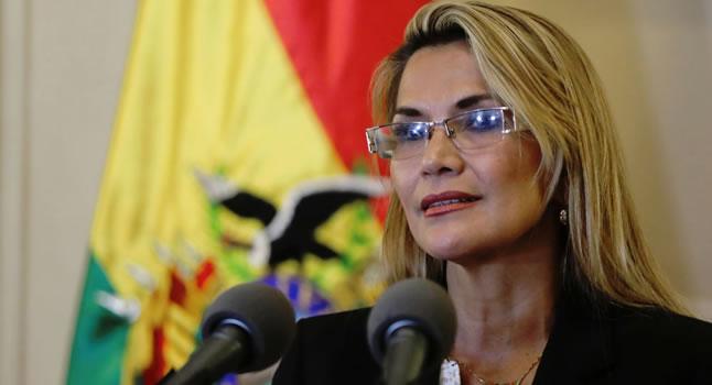 """Gobierno de Áñez advierte con """"mano dura"""" contra delitos de corrupción"""