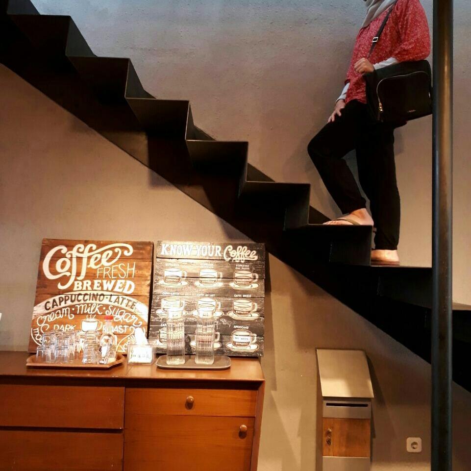 tesyasblog : Contrast Coffee Bandung: An Instgramable ...