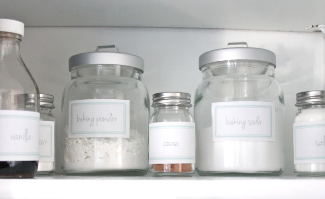 Pretty Pantry DIY with free printable labels via www.julieblanner.com