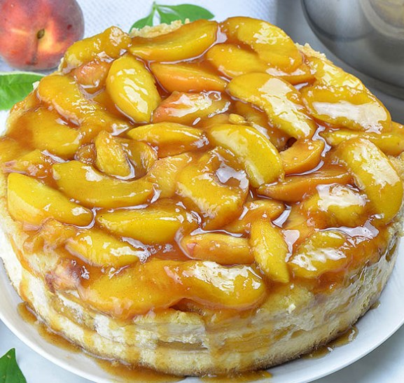 Peach Cobbler Cheesecake #desserts #cake