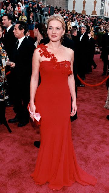 Oscar de 2002 Kate Winslet vestido vermelho