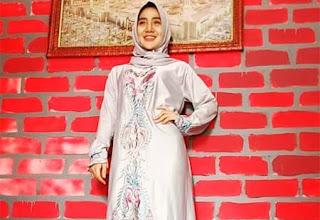 Bella Nafa Pakai Jilbab