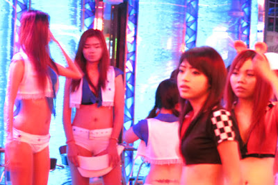sexy pick up girls from Soi Cowboy 5