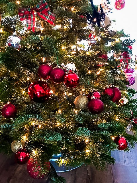 Kid Friendly Christmas Tree decorating tips - shatterproof ornaments are a must!