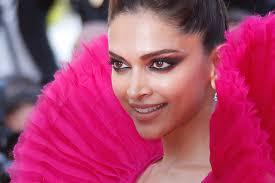 Winged Smokey Eyes of Deepika Padukone