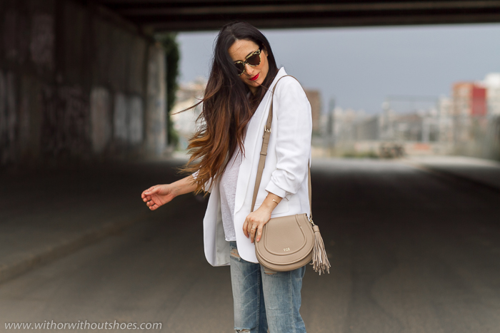 Outfit blogger influencer embarazada con zapatos rosas planos Fratelli Rossetti