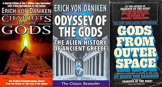 Livros os escritor Von Daniken: Carruagens dos Deuses, Odisséia dos Deuses e Deuses do espaço exterior